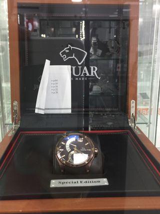 Reloj Jaguar J680