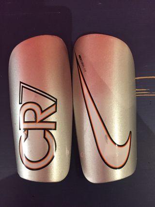 Espinilleras Nike cr7