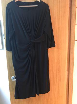Vestido negro fondo de armario