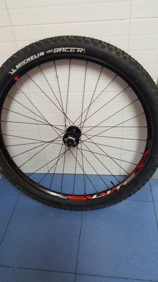 Rueda bicicleta MTB 29 delantera 15x110