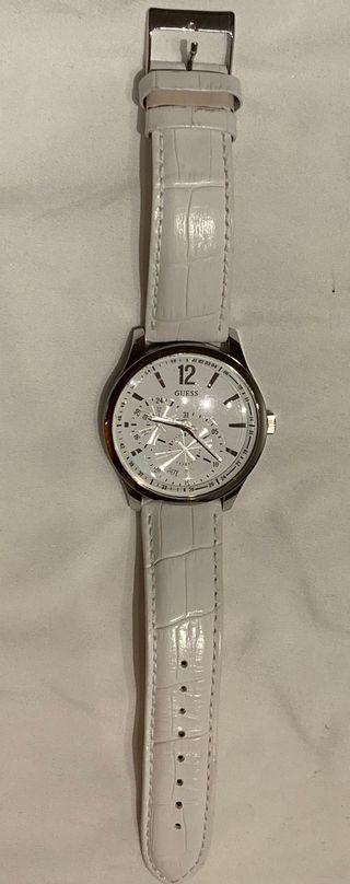 Reloj guess blanco original