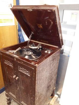 Gramofono de salon antiguo