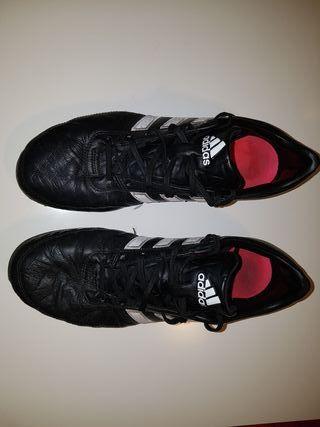 Botas fútbol adidas gloro de piel.
