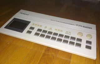 Caja de ritmos Roland TR-626