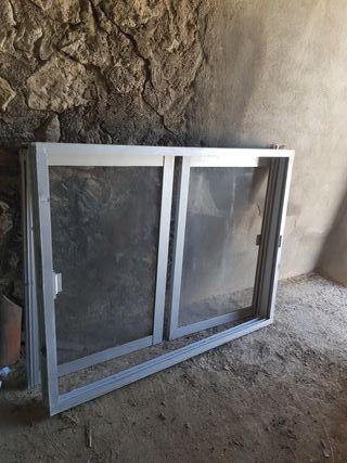 Marco, ventanas y persiana