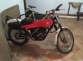 Moto montesa cota 348