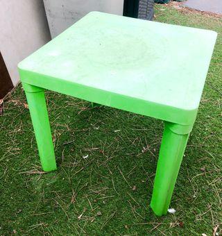 Mesas de jardín pequeñas mesita