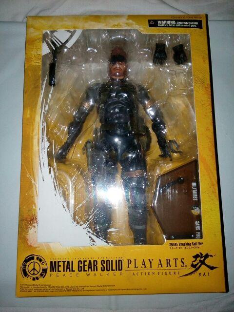 figura play arts metal gear solid
