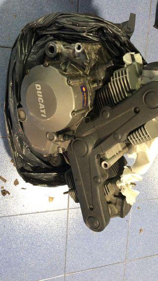 motor Ducati 696 del 2009
