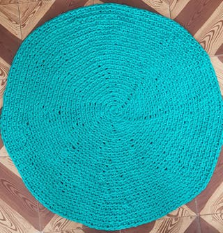 Alfombra color turquesa 70 cm regalo cesto
