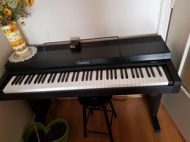 Piano YAMAHA Clavinova CLP 20