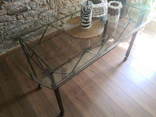 Mesa de cristal con hierro forjado