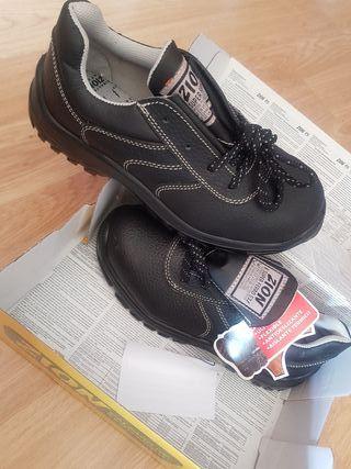 Zapatos de seguridad de segunda mano en la provincia de