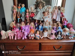 Muñecas, Barbie, Disney, Barriguitas, Bratz