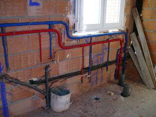 Instalaciones eléctricas, de agua y gas.