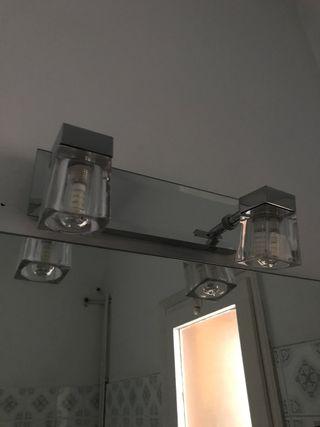 Espejo de baño y luz