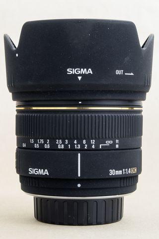 Objetivo Sigma 30mm. f/1.4 EX DC para Pentax
