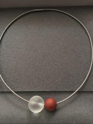 Collar con esferas minerales NIESSING