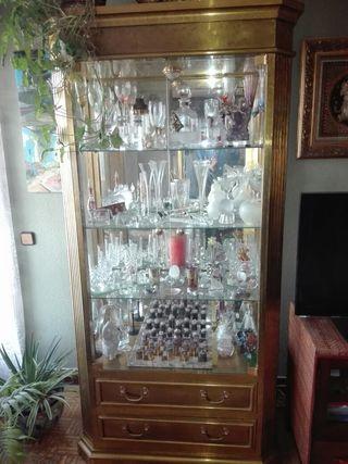 Vitrina y mueble bar