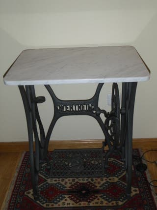 Mesa pie maquina coser Wertheim