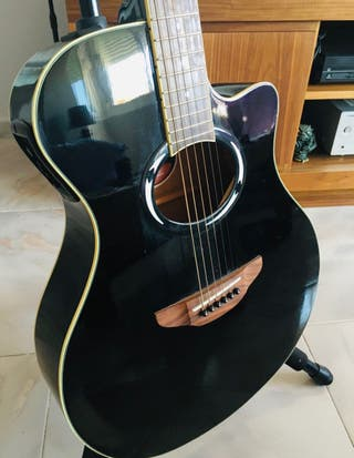 Guitarra Electroacustica Yamaha APX500II