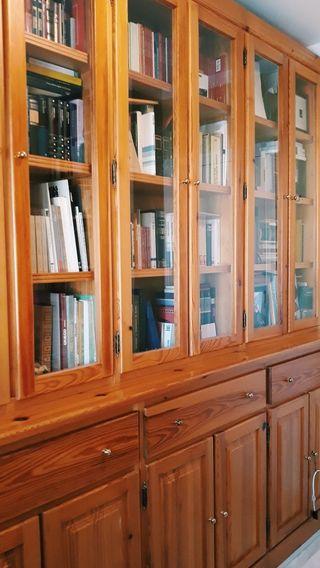 Librería con aparador