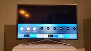 Smart tv Samsung con soporte pared