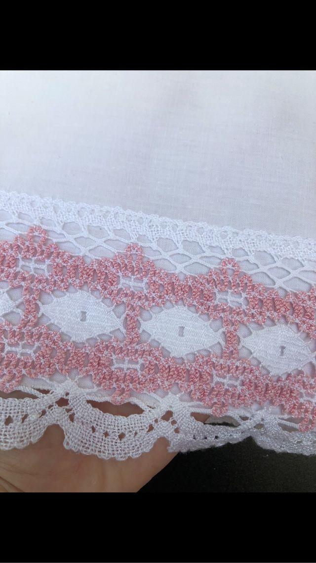 Sabana encaje bolillos bordada antigua cama 90-110