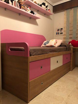 Cama nido + mesa/ Composición de dormitorio