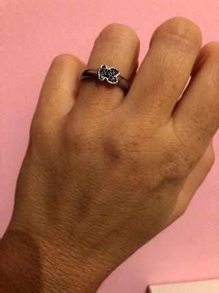 Precioso anillo Tous original.