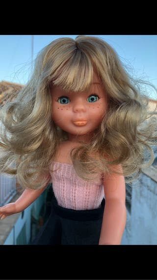 Muñeca nancy antigua pelo rizado