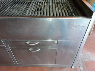 Barbacoa industrial a carbón vegetal