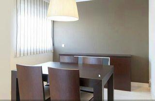 Mesa y 4 sillas de comedor