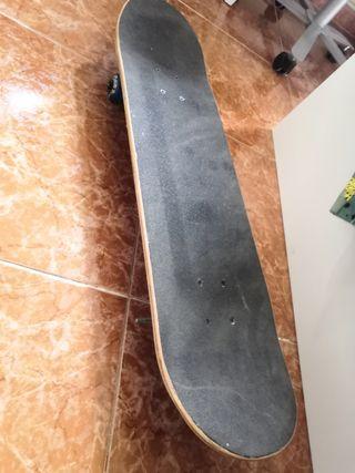 tabla skate a estrenar