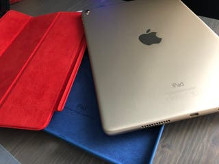"""iPad Pro 9.7"""" (2016) con accesorios originales"""