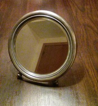 Espejo tocador de plata modernista