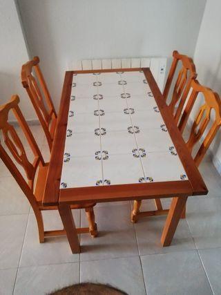 Conjunto comedor madera mesa + 4 sillas