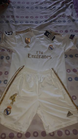 Traje del Real Madrid.