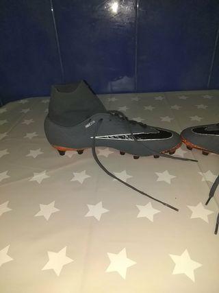 botas de botín de fútbol