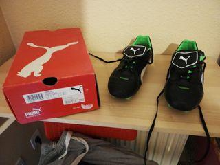 Botas de fútbol marca Puma. Talla 42
