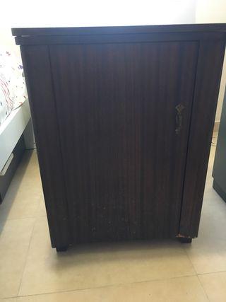 Mueble para máquina de coser wertheim