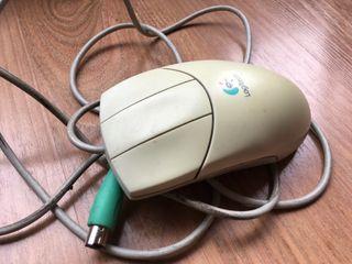 Ratón antigua conexion