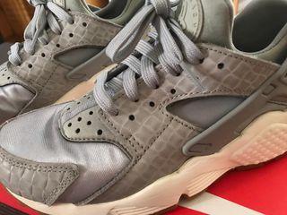 Zapatillas Nike huarache talla 37,5