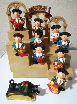 Lote figuras toreros+toro+plaza
