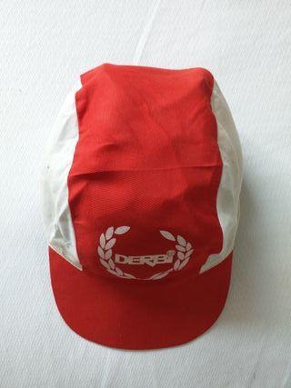 Antigua gorra Derbi