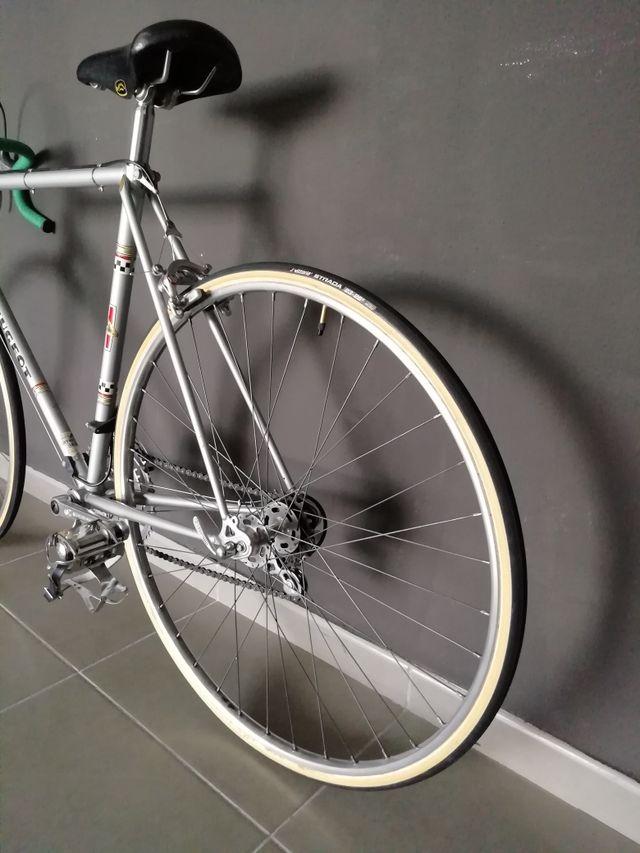 Bicicleta carretera clásica Peugeot