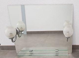 Espejo de baño con repisa de cristal y luces