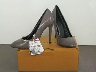 Zapatos charol gris Zara nuevos