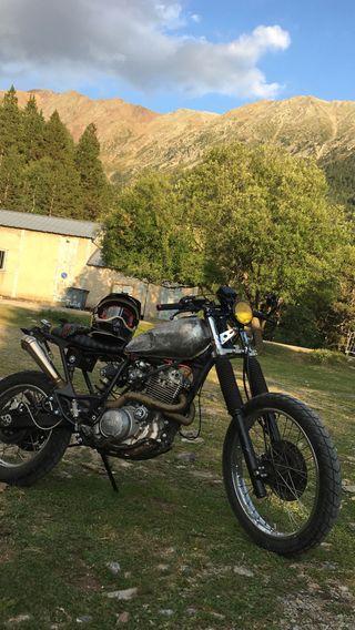 Yamaha xt 600 cafe racer