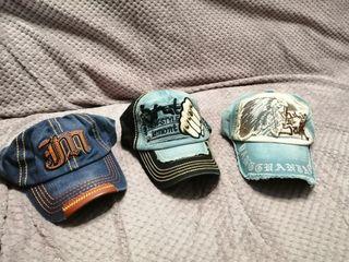 2 gorras ajustables,,, la del medio la vendi